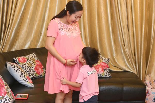 Ban đầu Vân nghĩ nếu bé thứ 3 là con gái sẽ gọi là Trà Sữa.
