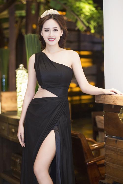 Hoa-hau-Mai-Phuong-Thuy-1-4884-141834892