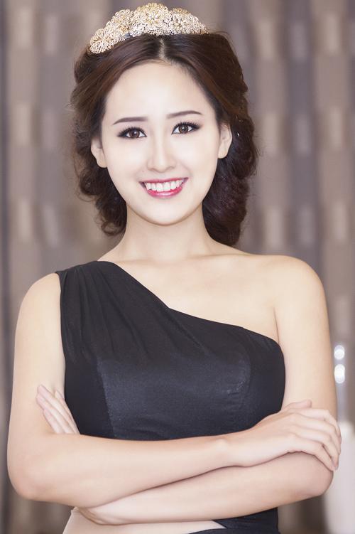 Hoa-hau-Mai-Phuong-Thuy-7-9672-141834892
