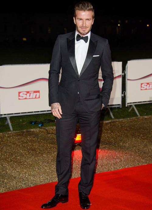 Tối 10/12, Becks 'hút' ống kính trên thảm đỏ lễ trao giải quân đội cho tờ The Sun tổ chức.