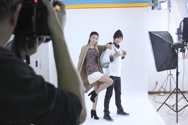 Yến Nhi và Quỳnh Châu rất hào hứng và diễn xuất chuyên nghiệp với sự chỉ đạo của Ngọc Linh.