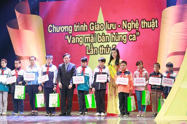 Ngoc-Han-Huyen-My-7-7383-1418607184.jpg