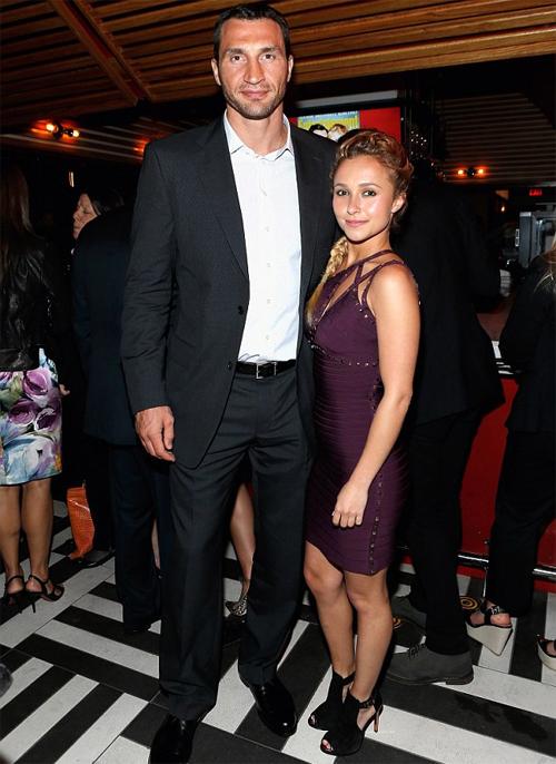 Klitschko và người tình bé nhỏ Hayden Panettiere vừa đón con gái đầu lòng.