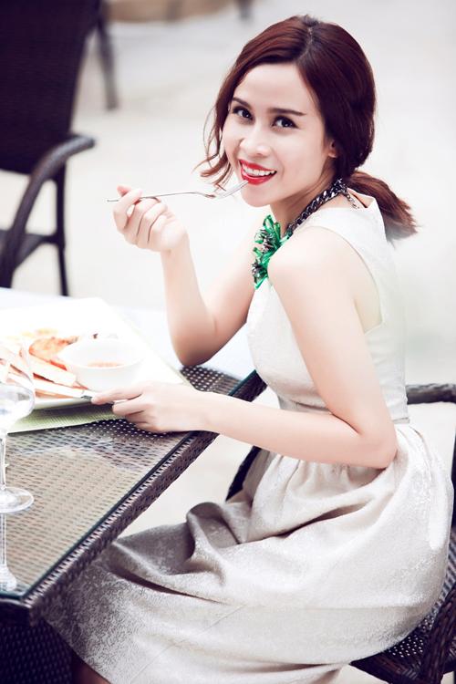 Luu-Huong-Giang-Ho-Hoai-Anh-9-6677-14186