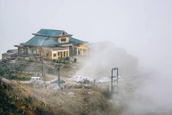 Mới đầu mùa băng tuyết nhưng Mẫu Sơn đã hút rất nhiều khách du lịch. Ảnh: Tuấn Fancy-Free.