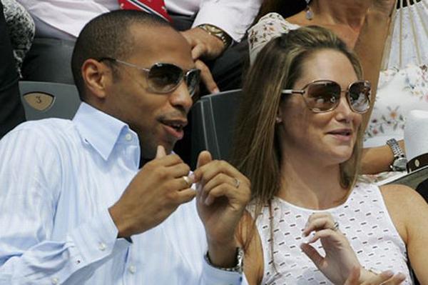Trong thời kỳ đỉnh cao phong độ ở Arsenal, Thierry Henry có cuộc tình ngọt ngào với người mẫu Anh Nicole Merry