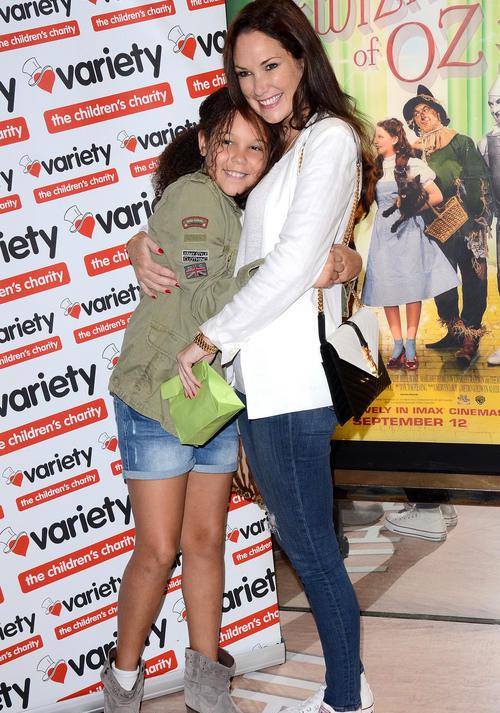 Con gái Henry và mẹ trong một sự kiện hồi tháng 9