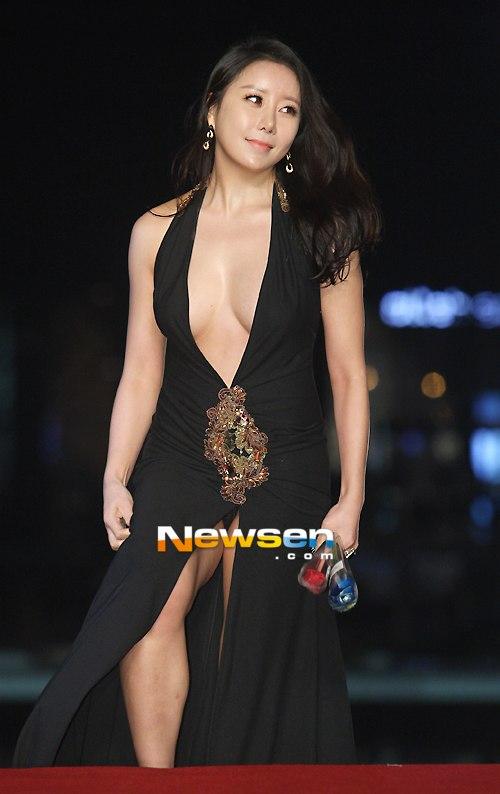 Ha-Na-Kyung-2197-1418891028.jpg