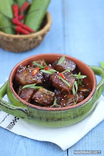 Món ăn có hương vị đậm đà dùng kèm với cơm trắng nóng trong những ngày mưa là tuyệt nhất.