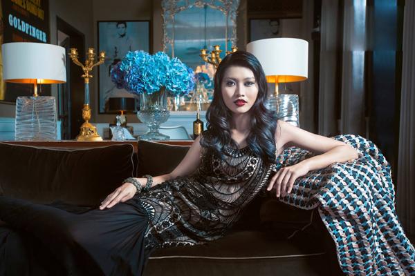 Quỳnh Châu khá loay hoay trong buổi chụp ảnh và kết quả cô đã không có được sản phẩm khiến ban giám khảo hài lòng.