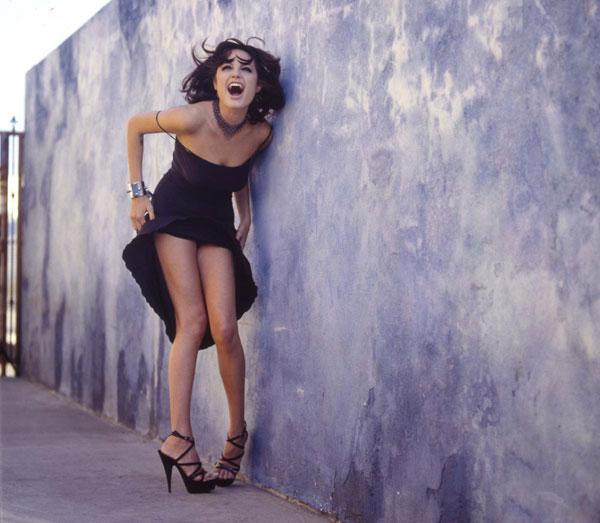 Tiết lộ loạt ảnh sexy của Angelina Jolie năm 20 tuổi