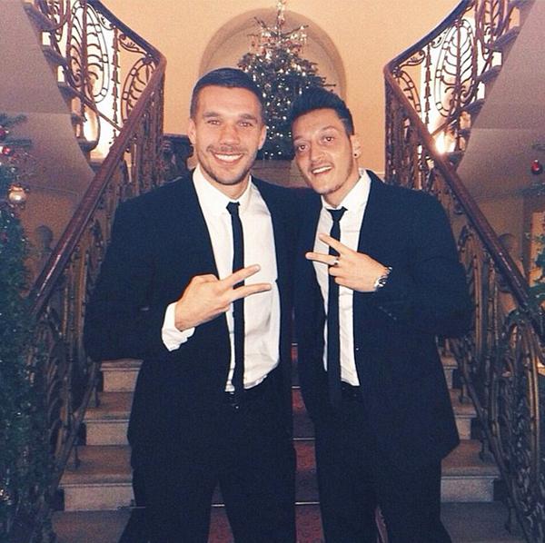 Hai ngôi sao người Đức Podolski và Ozil