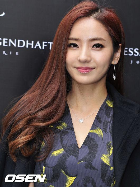 han-chae-young-2-2296-1419409825.jpg