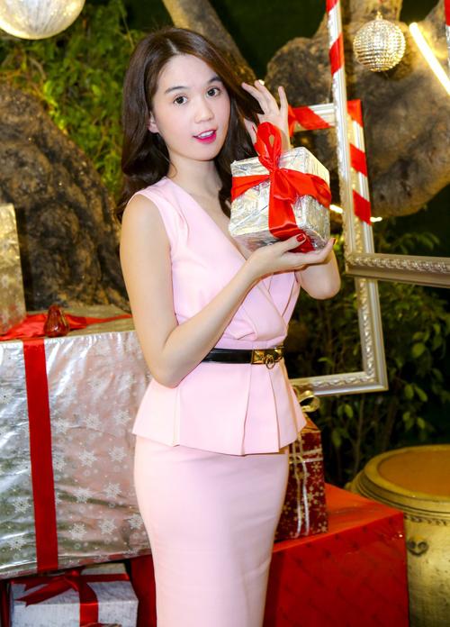ngoc-trinh-3-4335-1419559169.jpg