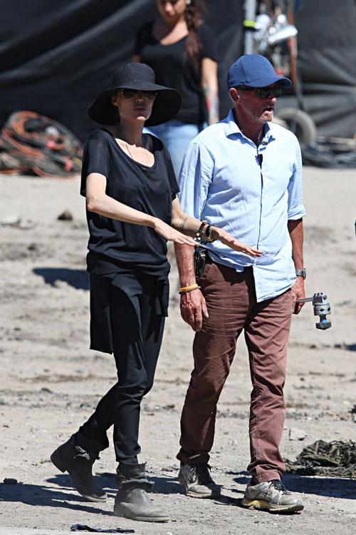 Jolie gầy giơ xương khi làm phim vì nhịn ăn