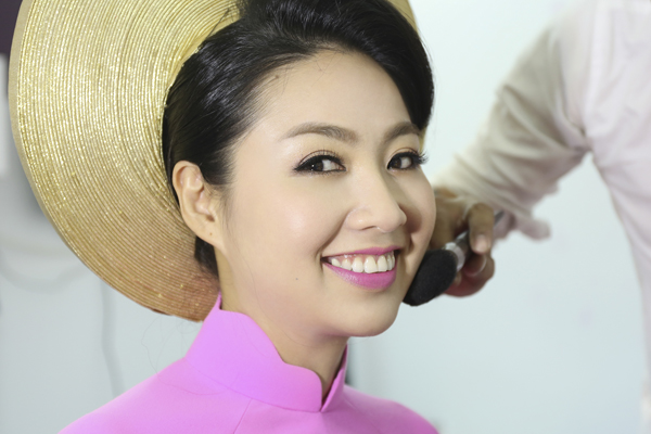 co-dau-le-khanh-rang-ro-voi-make-up-cam-dong-1