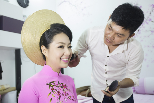 co-dau-le-khanh-rang-ro-voi-make-up-cam-dong-2