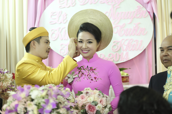 co-dau-le-khanh-rang-ro-voi-make-up-cam-dong-4