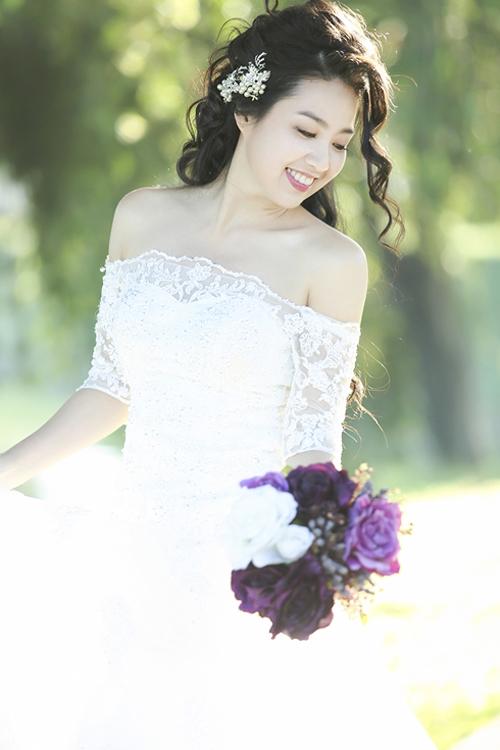 5 kiểu tóc hoàn hảo cho cô dâu mặt tròn