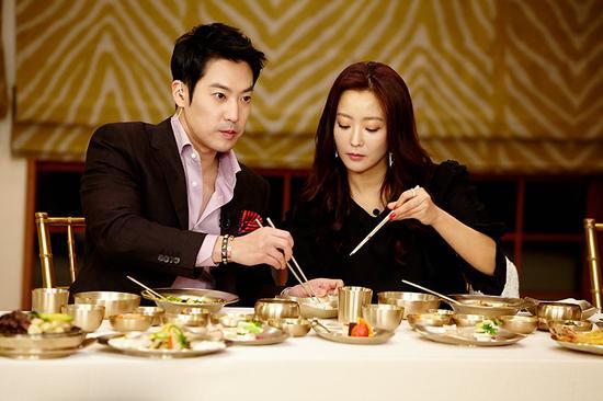 kim-hee-sun-3-5497-1419671052.jpg