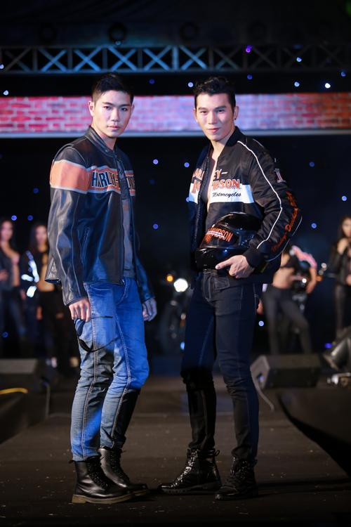 Tại show diễn này, siêu mẫu Hà Anh đảm nhận vai trò đạo diễn catwalk và cô đã giúp các người mẫu trẻ có được phong cách biểu diễn đầy ngẫu hứng, cá tính trên sàn diễn.
