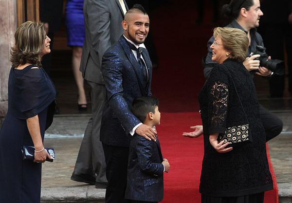 Đám cưới của tiền vệ Juventus có sự góp mặt của Tổng thống Chilê