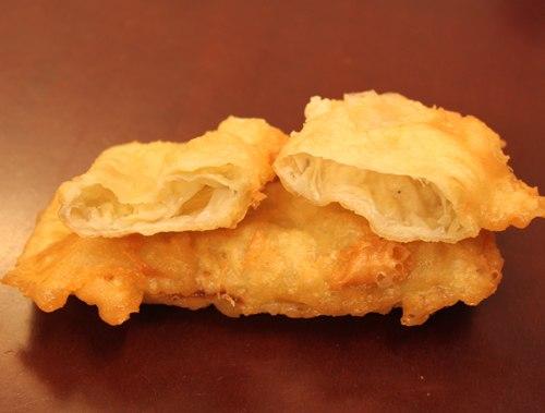 Bánh rán sầu riêng nóng hổi thơm ngào ngạt. Ảnh: Huấn Phan.