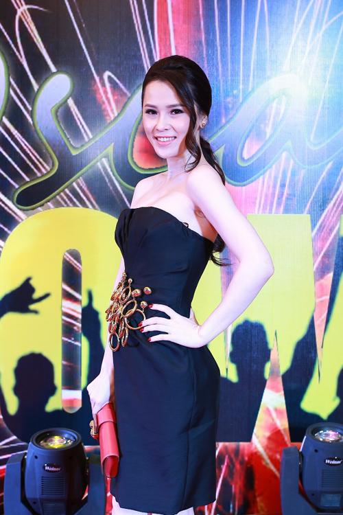 Hoa-hau-Thai-Nhu-Ngoc-2083-1419910727.jp