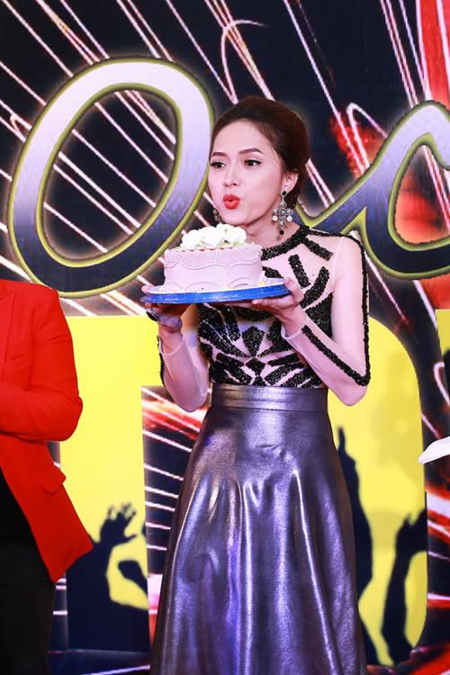 Huong-Giang-Idol-duoc-chuc-1151-14199098