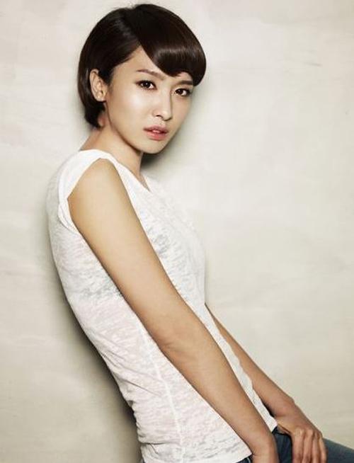 Park-Jung-Ah-8341-1419932299.jpg