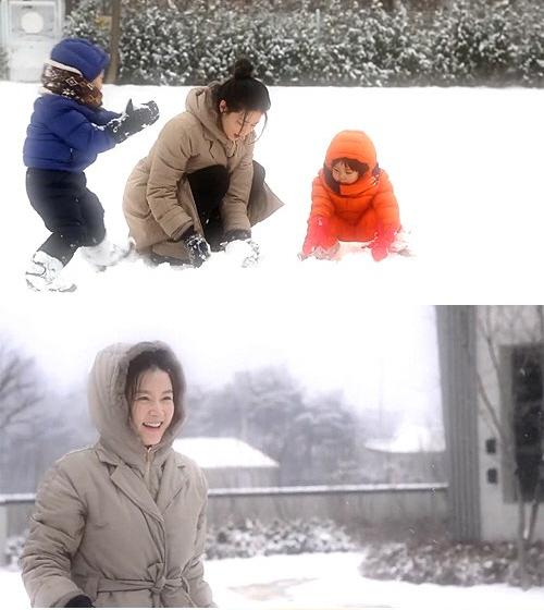 Nhà Lee Young Ae, một trong những mỹ nhân có tổ ấm hạnh phúc của Kbiz. Cô và chồng, con đã có những