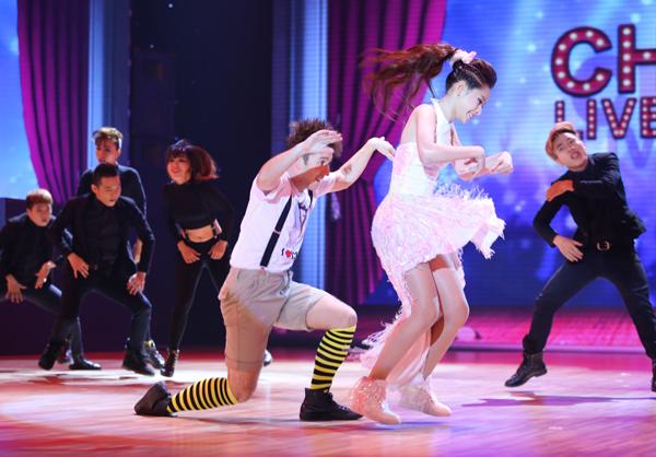 Angela Phương Trinh gây bất ngờ về khiêu vũ