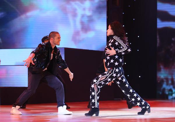 Diệp Lâm Anh sẽ cùng Zhivko kể câu chuyện gặp gỡ và nảy sinh tình cảm với nhau từ những điệu nhảy. Sự mạnh mẽ, quyến rũ của Hiphop sẽ được cặp đôi kết hợp nhuần nhuyễn với nét uyển chuyển và phóng khoáng của điệu Samba để tạo ra một bài nhảy đầy cuốn hút.