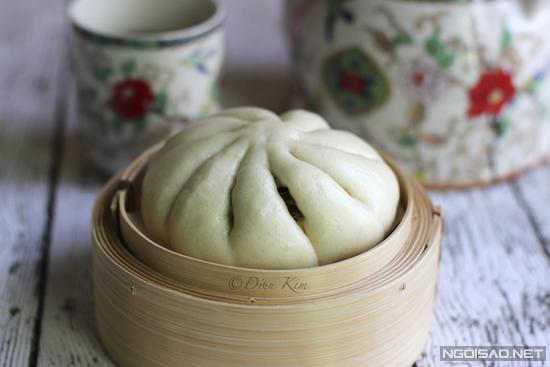 Nhớ cho bột nở để làm cho phần vỏ bánh nở to và mềm.
