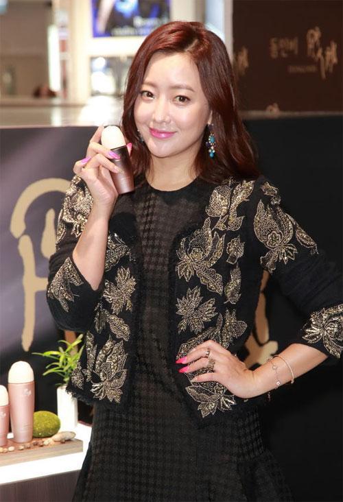 kim-hee-sun-7-7406-1420598240.jpg