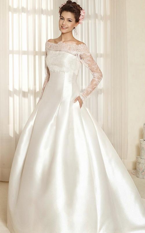Kết hợp váy cưới với khăn voan hoàng gia