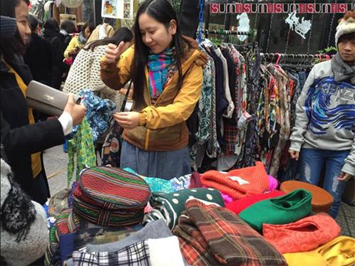 Phien chợ cuối tuần danh cho tin dồ hoai cổ