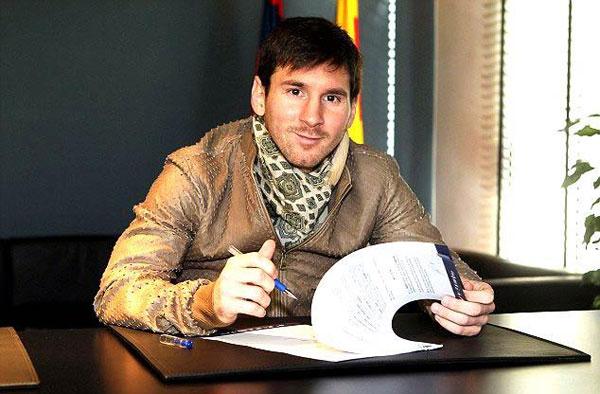 Messi mặc áo khoác