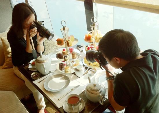 Thậm chí người châu Á còn thích chụp ảnh món ăn hơn cả người phương Tây. Ảnh: samperu.