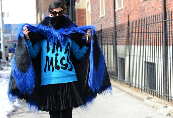 Áo lông của mùa thời trang năm nay là sự lên ngôi của những tông màu rực rỡ và cách