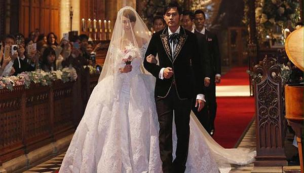 Váy cưới hoàng gia của vợ Châu Kiệt Luân
