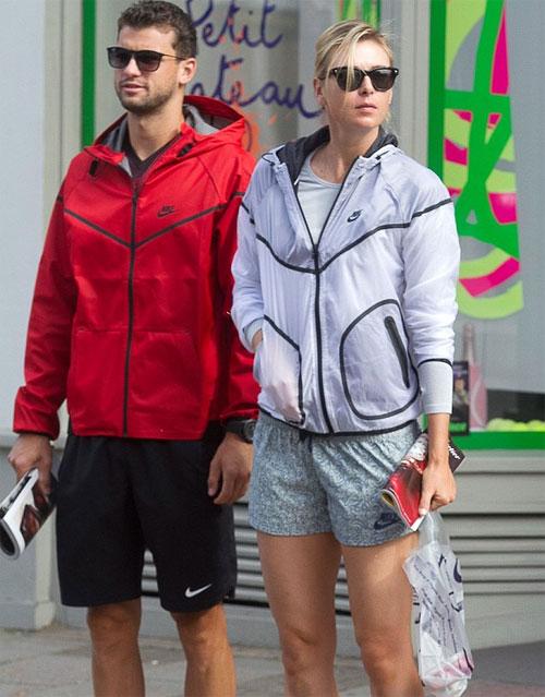 Sharapova và Dimitrov đều đang ở Australia nhưng không có nhiều thời gian dành cho nhau vì lịch thi đấu và tập luyện khác nhau.