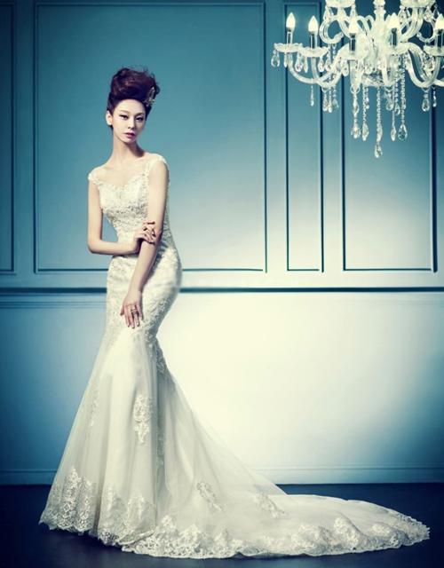 Váy cưới Hàn Quốc cho cô dâu dáng mảnh mai