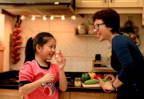 Ngoài viết lách, chăm sóc gia đình cũng chính là niềm vui của Phan Anh.