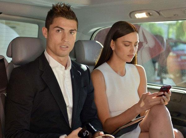 C. Ronaldo và Irina không còn sánh bước bên nhau. Ảnh: AP.