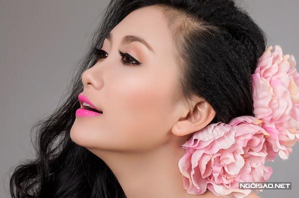 10 kiểu tóc cài hoa đẹp cho cô dâu Việt