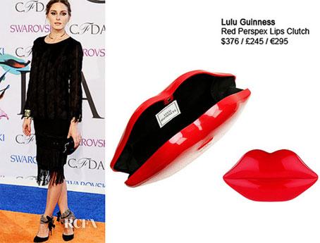Olivia-Palermo tham dự giải thưởng 2014 CFDA Fashion Awards, California với 1 thiết kế tương tự màu đen. Đây là 1 mẫu ví cầm tay của Lulu Guinness có giá khoảng 9 triệu đồng