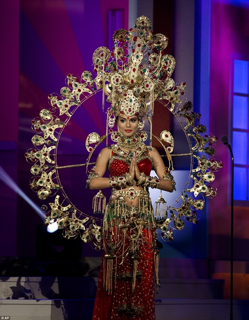 24EFAFBC00000578-2921405-Miss-India-Noyo