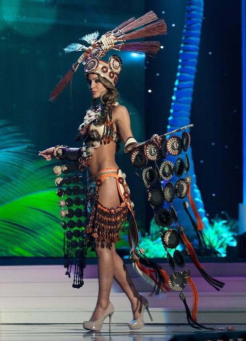 24EFB16A00000578-2921405-Miss-Ecuador-Al