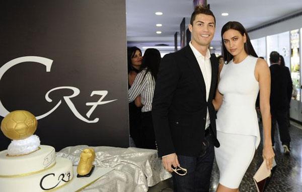 C. Ronaldo cũng được hưởng lợi từ mối quan hệ tình cảm với Irina.